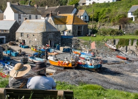Cadgwith, traditional fishing village in Cornwall