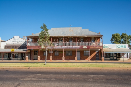 Queen of Murchison Hotel - Cue, West Australia